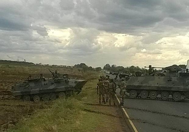 Ζιμπάμπουε: Κινήσεις του στρατού, φήμες για πραξικόπημα   tanea.gr
