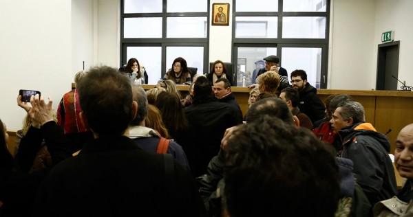 Θεσσαλονίκη: Συνεχίζουν την αποχή οι συμβολαιογράφοι | tanea.gr
