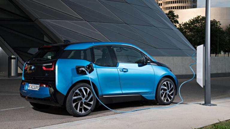 Σημαντική αύξηση στις πωλήσεις ηλεκτρικών της BMW   tanea.gr