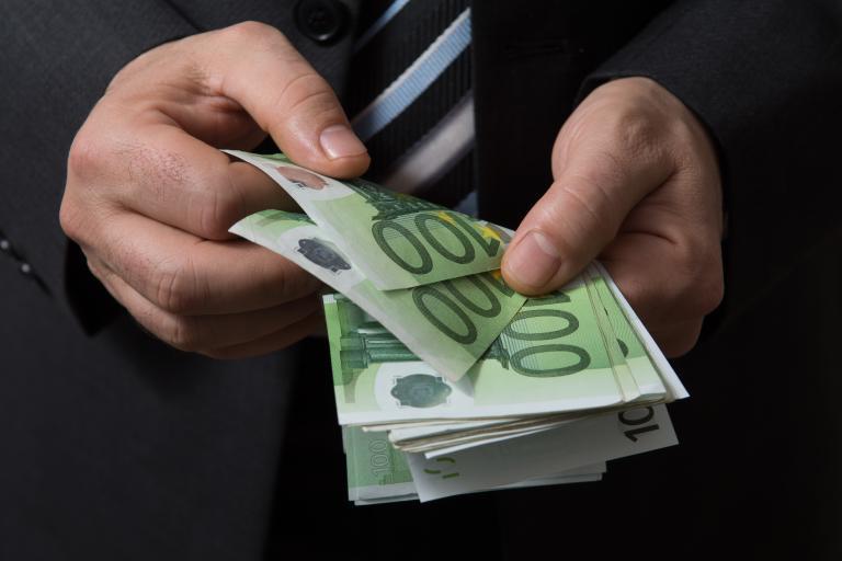 Σπεσιαλίστας φοροφυγάς αξίας άνω του 1 εκατ. ευρώ | tanea.gr