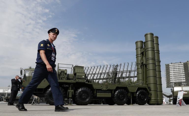Η Μόσχα αναπτύσσει μοίρα πυραύλων S-400 στην Κριμαία | tanea.gr