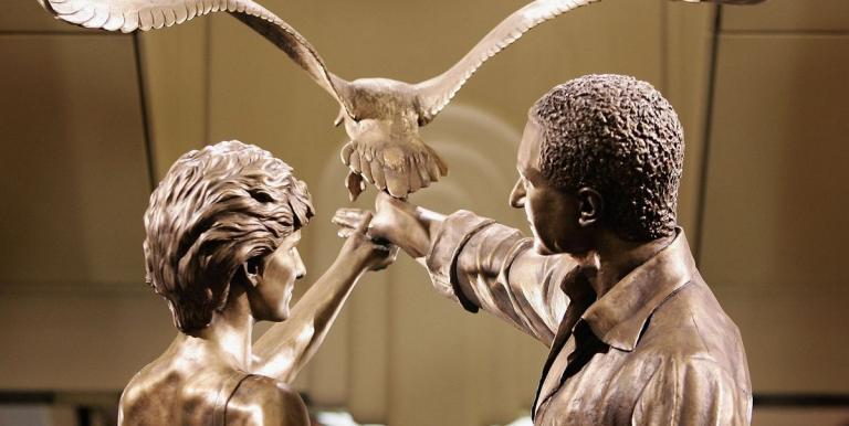 Το Harrods «ξηλώνει» το άγαλμα της πριγκίπισσας Νταϊάνα | tanea.gr