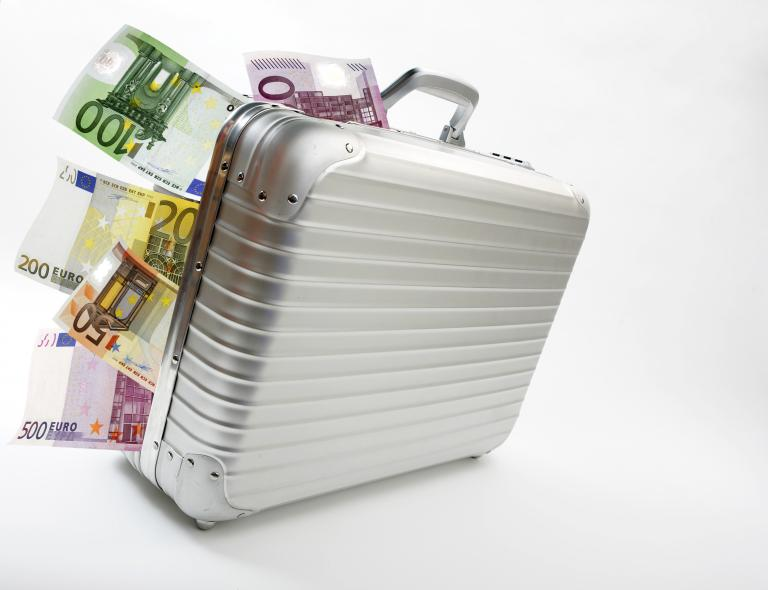 «Μητέρα όλων των φορολογικών παραδείσων» η Ελβετία | tanea.gr