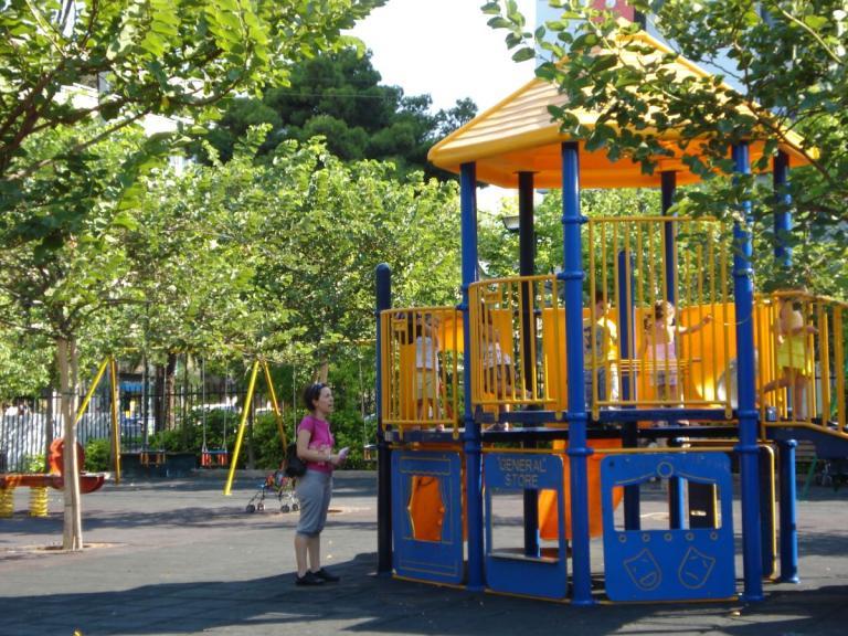 Επτά νέες παιδικές χαρές στον Δήμο Πειραιά | tanea.gr