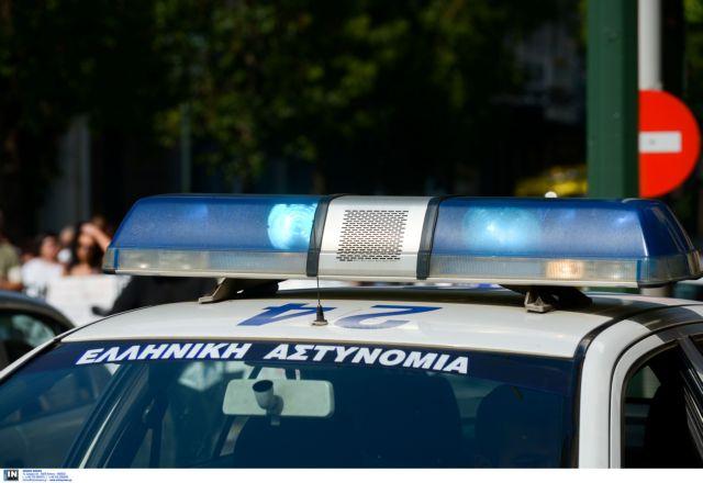 Γκαζάκια σε γραφείο του υπουργείου Άμυνας στη Θεσσαλονίκη | tanea.gr