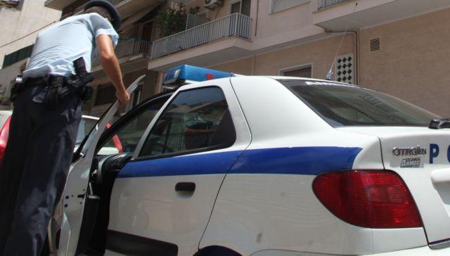 Γκαζάκια έξω από γραφείο πρώην βουλευτή της Χ.Α στην Πάτρα | tanea.gr