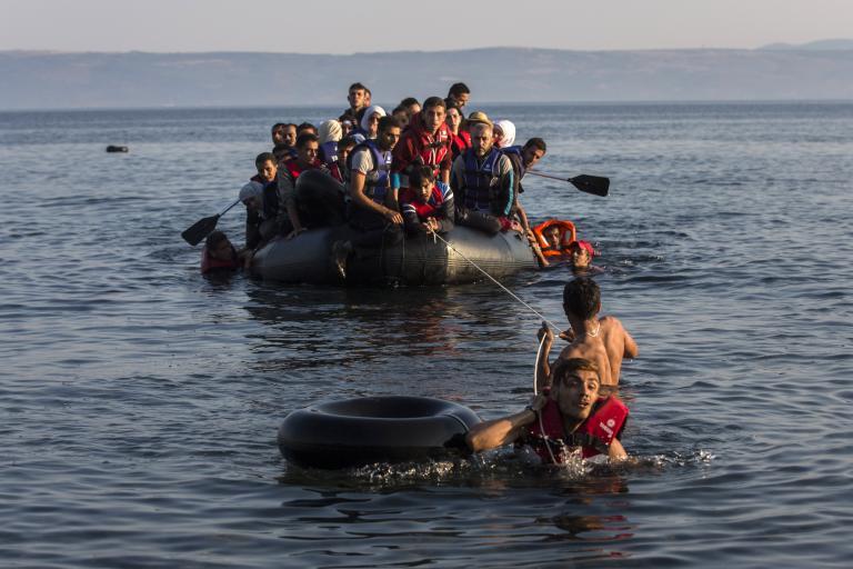 Μειωμένος κατά 43% ο αριθμός παράτυπων μεταναστών στα ελληνικά νησιά   tanea.gr