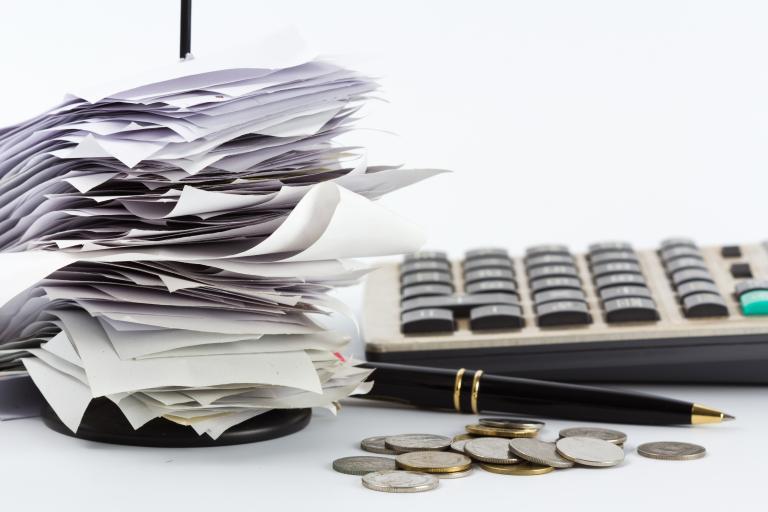 Απίστευτη φοροδιαφυγή: «Ξεχασιάρης» τραγουδιστής, συνταξιούχος με 2 εκατ., δικηγόρος με 2,5 εκατ. | tanea.gr