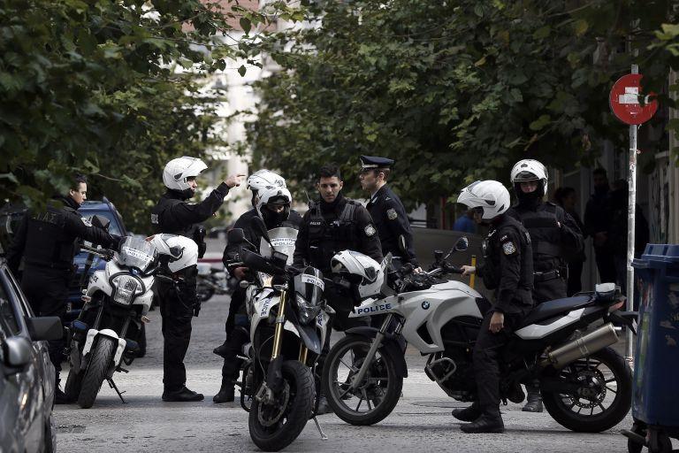 Πυροβόλησαν γυναίκα σε σπίτι στο Χαϊδάρι | tanea.gr