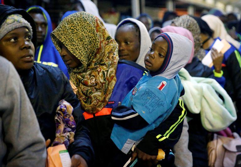 Οι δουλέμποροι της Λιβύης συνδέονται με τις επίσημες αρχές | tanea.gr