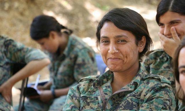 Φιλότουρκοι αντάρτες διαμέλισαν τη σορό Κούρδισσας | tanea.gr