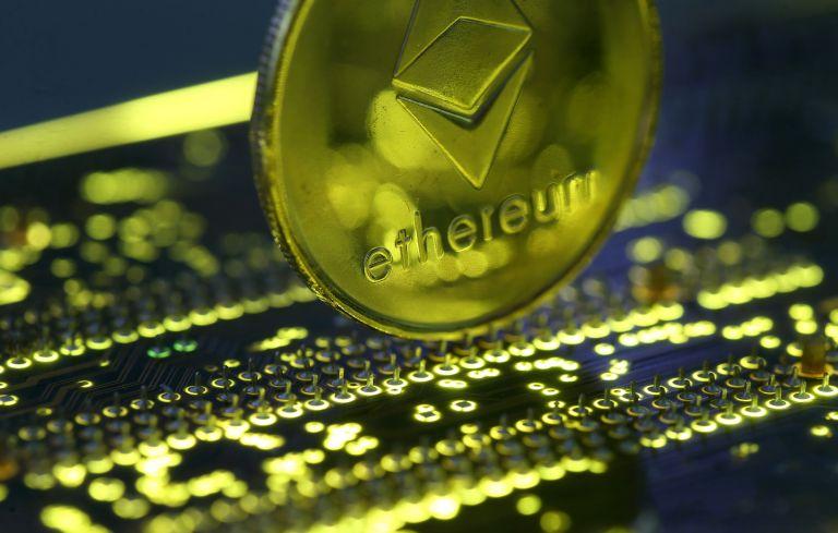 Απαγόρευσαν την αγορά bitcoin μέσω πιστωτικών καρτών | tanea.gr