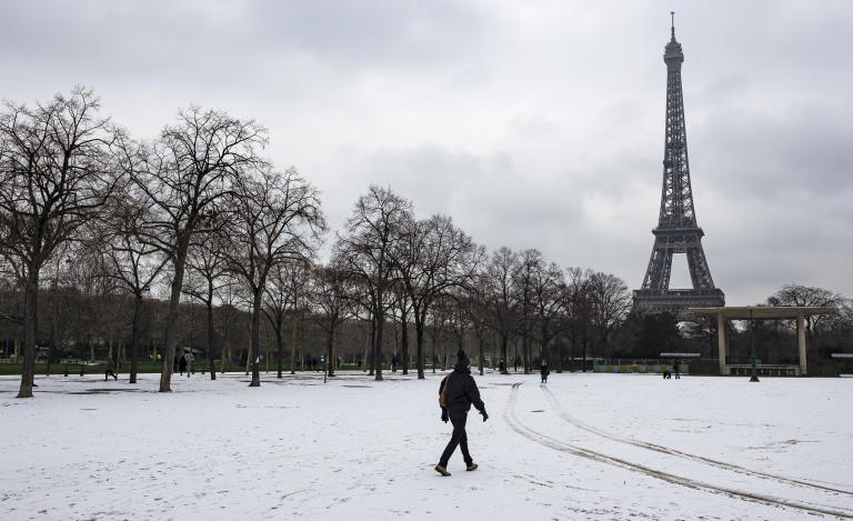 Σε πορτοκαλί συναγερμό η Γαλλία από τις πολικές θερμοκρασίες | tanea.gr