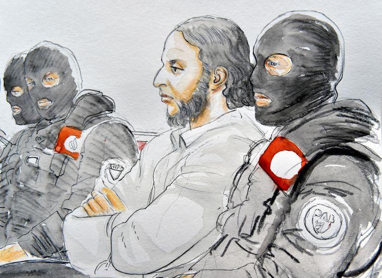 Απών από τη δίκη του ο μακελάρης του Παρισιού Σ. Αμπντεσλάμ | tanea.gr