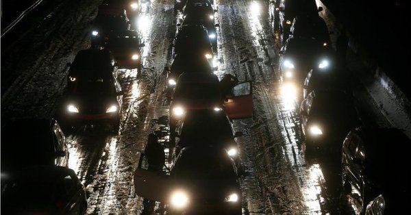 Γαλλία: Μποτιλιάρισμα 700 χλμ λόγω σφοδρών χιονοπτώσεων | tanea.gr