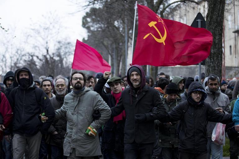 Ιταλία: 30.000 διαδηλωτές σε αντιρατσιστική πορεία | tanea.gr