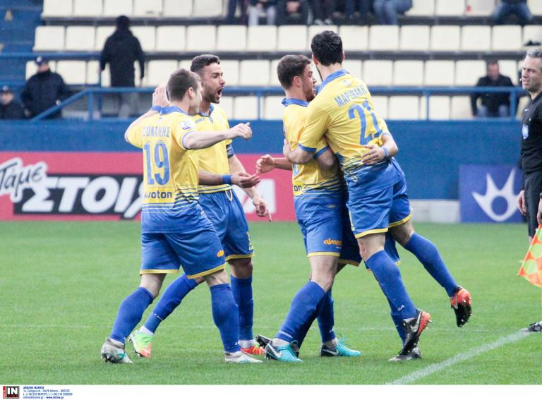 Άνετα ο Παναιτωλικός 3-0 τον Πλατανιά   tanea.gr