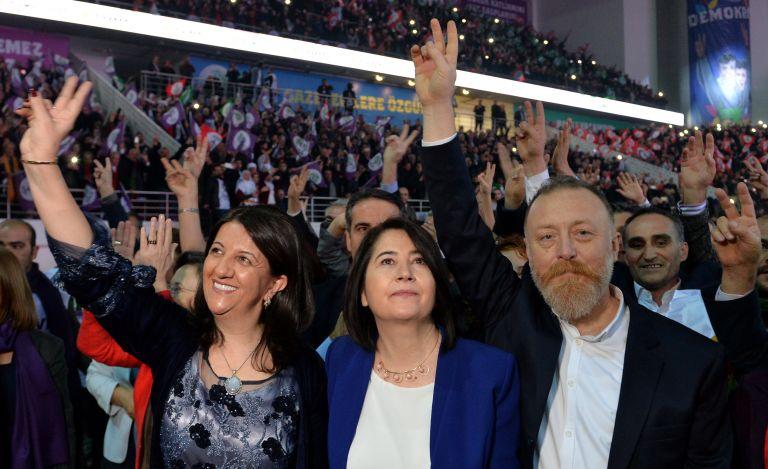 Νέες διώξεις Ερντογάν εναντίον στελεχών του φιλοκουρδικού κόμματος | tanea.gr