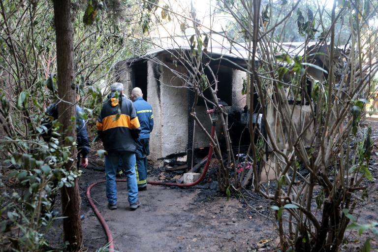Ενας νεκρός από φωτιά σε αποθήκη στον Κολωνό | tanea.gr