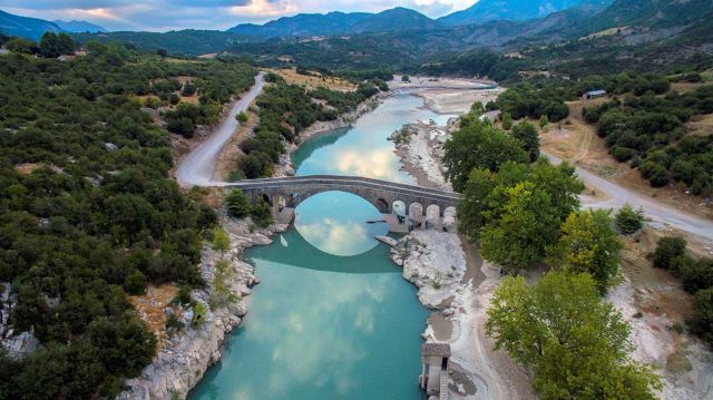 SOS για 20 πέτρινα γεφύρια - Κινδυνεύουν με κατάρρευση | tanea.gr