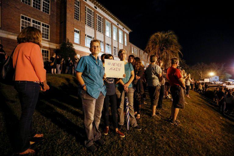 Φλόριντα: Απέρριψε την πρόταση για απαγόρευση πώλησης ημιαυτόματων όπλων | tanea.gr