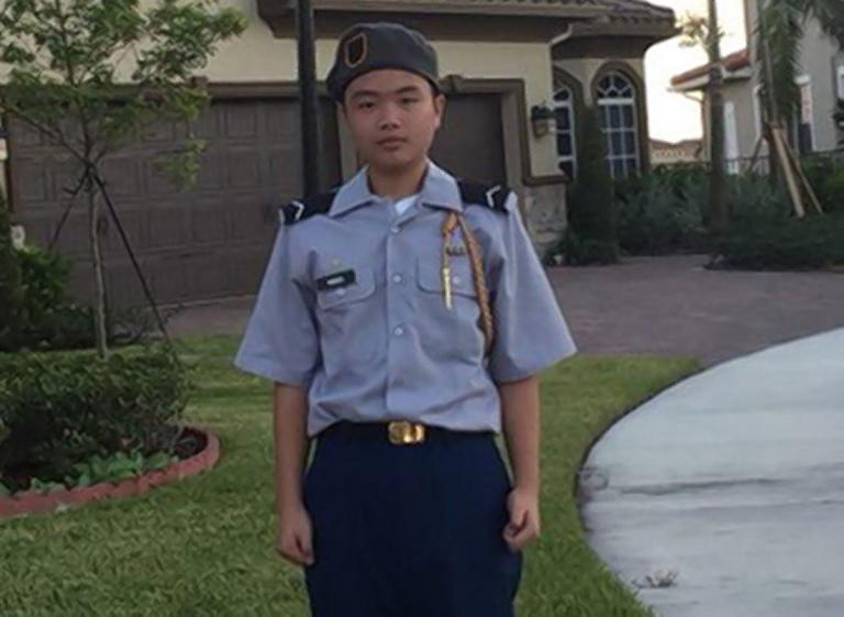 Δεκτός σε στρατιωτική ακαδημία 15χρονο θύμα από το μακελειό της Φλόριντα   tanea.gr