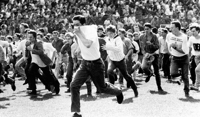 Η... νοσταλγία της ποδοσφαιρικής βίας   tanea.gr