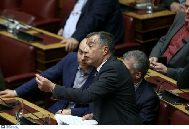 Θεοδωράκης: Αρνούμαι να μιλήσω σε διαδικασία κλωτσοσκούφι | tanea.gr