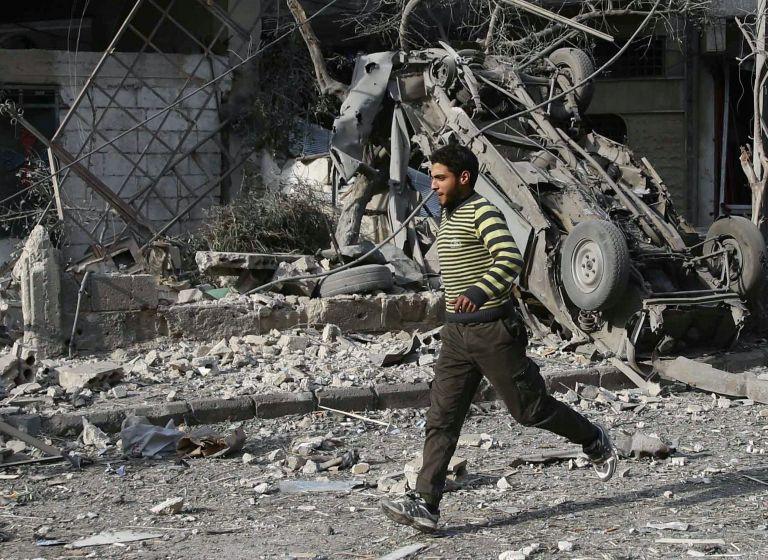 Συρία: Συνεχίζονται οι αεροπορικές επιδρομές στη Γούτα | tanea.gr