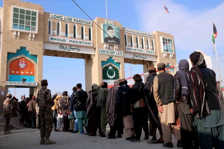 Σχεδόν 20.000 Αφγανοί έχουν εκτοπιστεί εξαιτίας των συγκρούσεων | tanea.gr