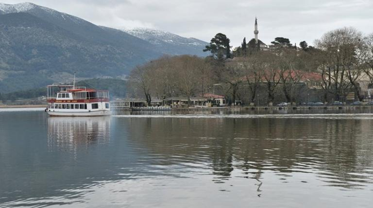 Ιωάννινα: Νεκρή βρέθηκε γυναίκα στη λίμνη Παμβώτιδα | tanea.gr