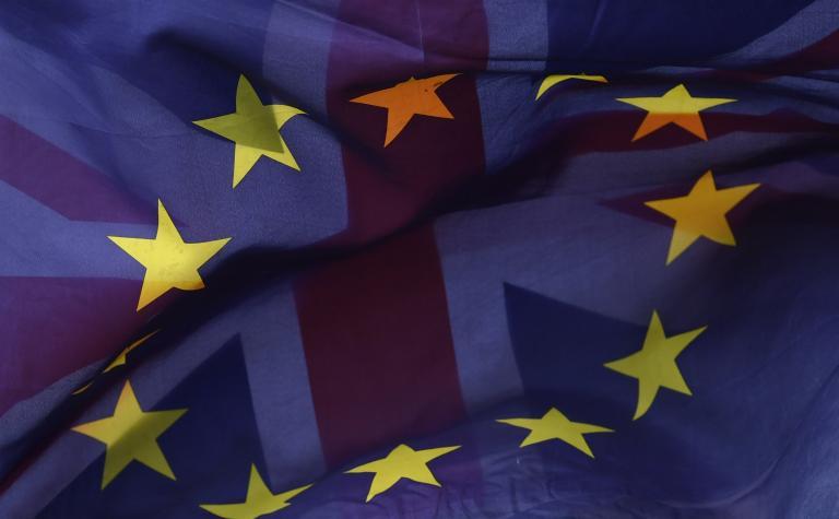 Το σχέδιο αποχώρησης της Βρετανίας από την ΕΕ παρουσίασε η Κομισιόν | tanea.gr