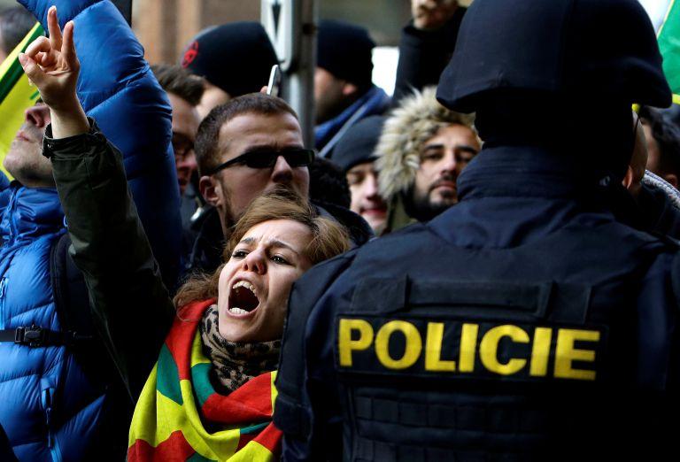 Τουρκία: Καλούν από τηλεοράσεως σε δολοφονίες | tanea.gr