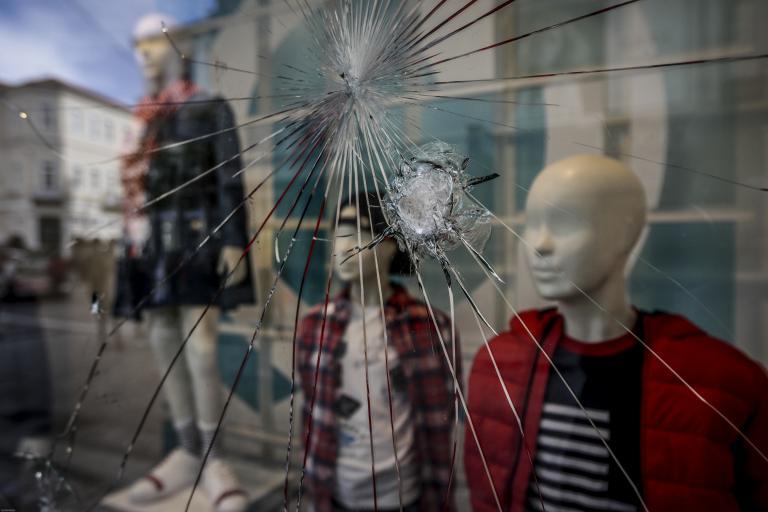 Αστυνόμευση ζητούν οι έμποροι στο κέντρο της Αθήνας | tanea.gr
