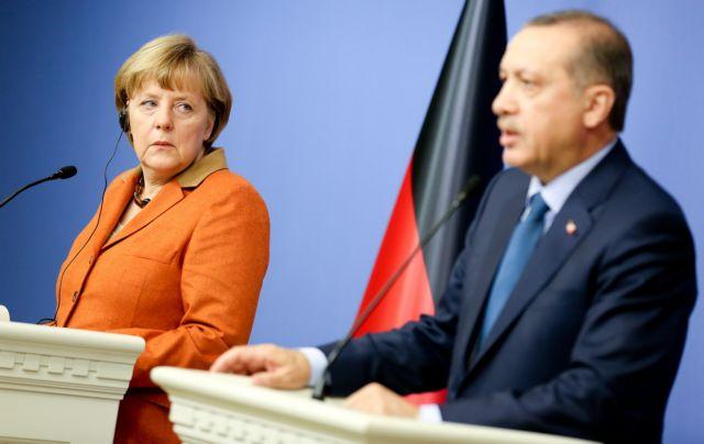 Αγαπούν τη Μέρκελ πιο πολύ από τον Ερντογάν οι Τούρκοι της Γερμανίας   tanea.gr