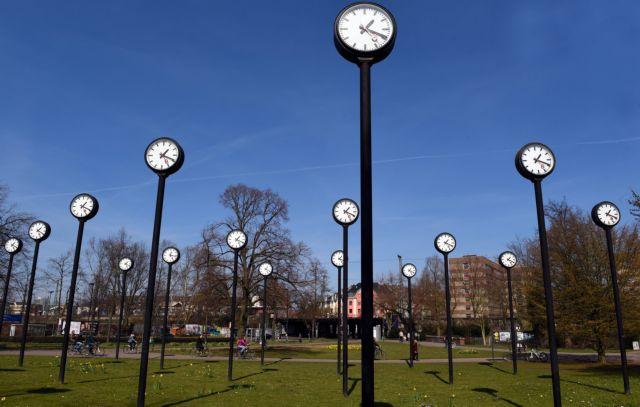 EE: Εξι λεπτά πίσω τα ρολόγια λόγω της διαμάχης Σερβίας – Κοσόβου   tanea.gr