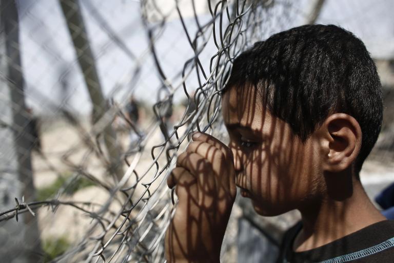 Βρετανία: Μετανάστες παραμένουν σε κέντρα κράτησης ως και 4 χρόνια   tanea.gr