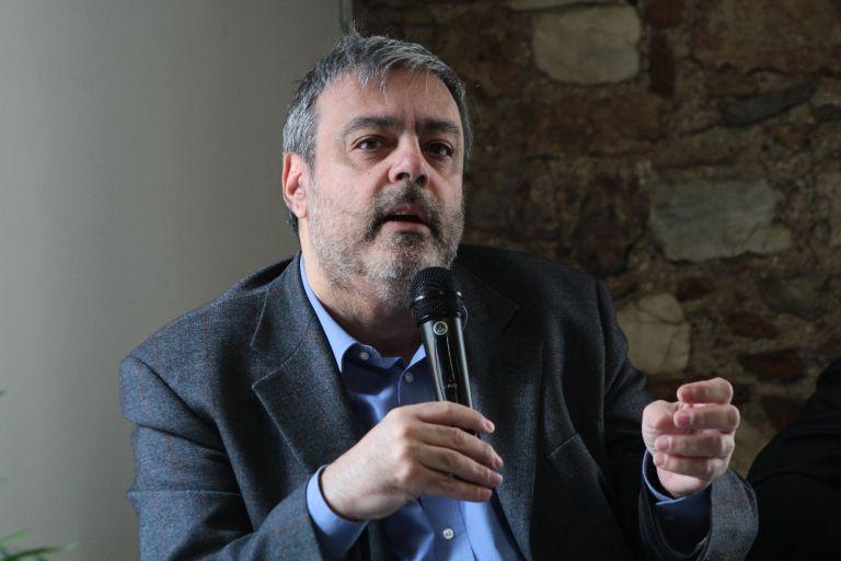 Βερναρδάκης: Οι ρατσιστικές φράσεις και πράξεις έχουν ονοματεπώνυμα | tanea.gr