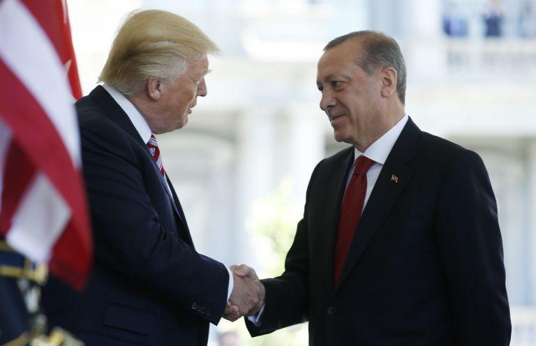 Ενισχυμένη συνεργασία ΗΠΑ-Τουρκίας για την Συρία θέλει ο Τραμπ | tanea.gr
