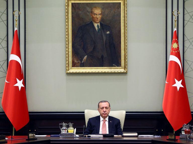 Defiant Erdogan dismisses EU calls for Aegean, Cyprus de-escalation | tanea.gr