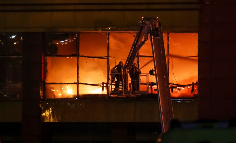 Ρωσία: Δεκάδες οι νεκροί στο εμπορικό κέντρο   tanea.gr