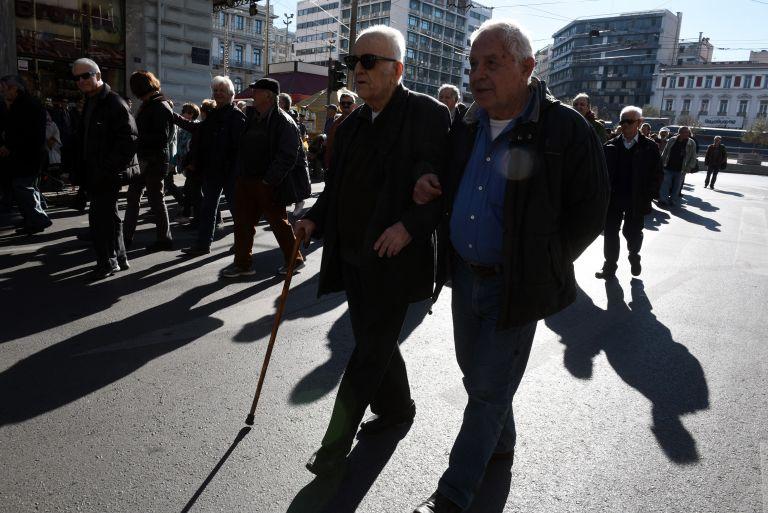 Πρόταση - φωτιά για αύξηση του ορίου συνταξιοδότησης στα... 70 έτη   tanea.gr