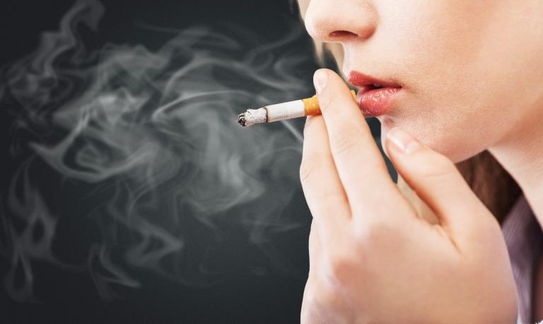 Μεγάλη μείωση στη νικοτίνη των τσιγάρων σχεδιάζει η FDA | tanea.gr