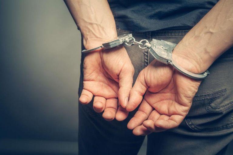 Συνελήφθη φυγόποινος που είχε καταδικαστεί σε κάθειρξη 116 ετών | tanea.gr
