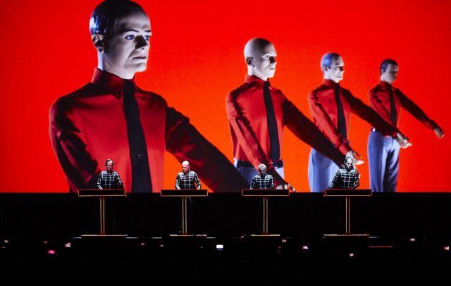 Τα «ρομπότ» τραγουδάνε ακόμα | tanea.gr