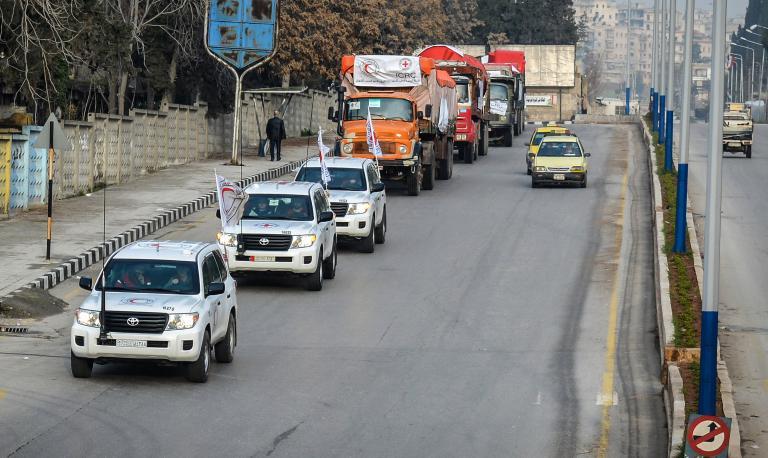 Συρία: Ανθρωπιστική βοήθεια έφτασε στην Αφρίν | tanea.gr