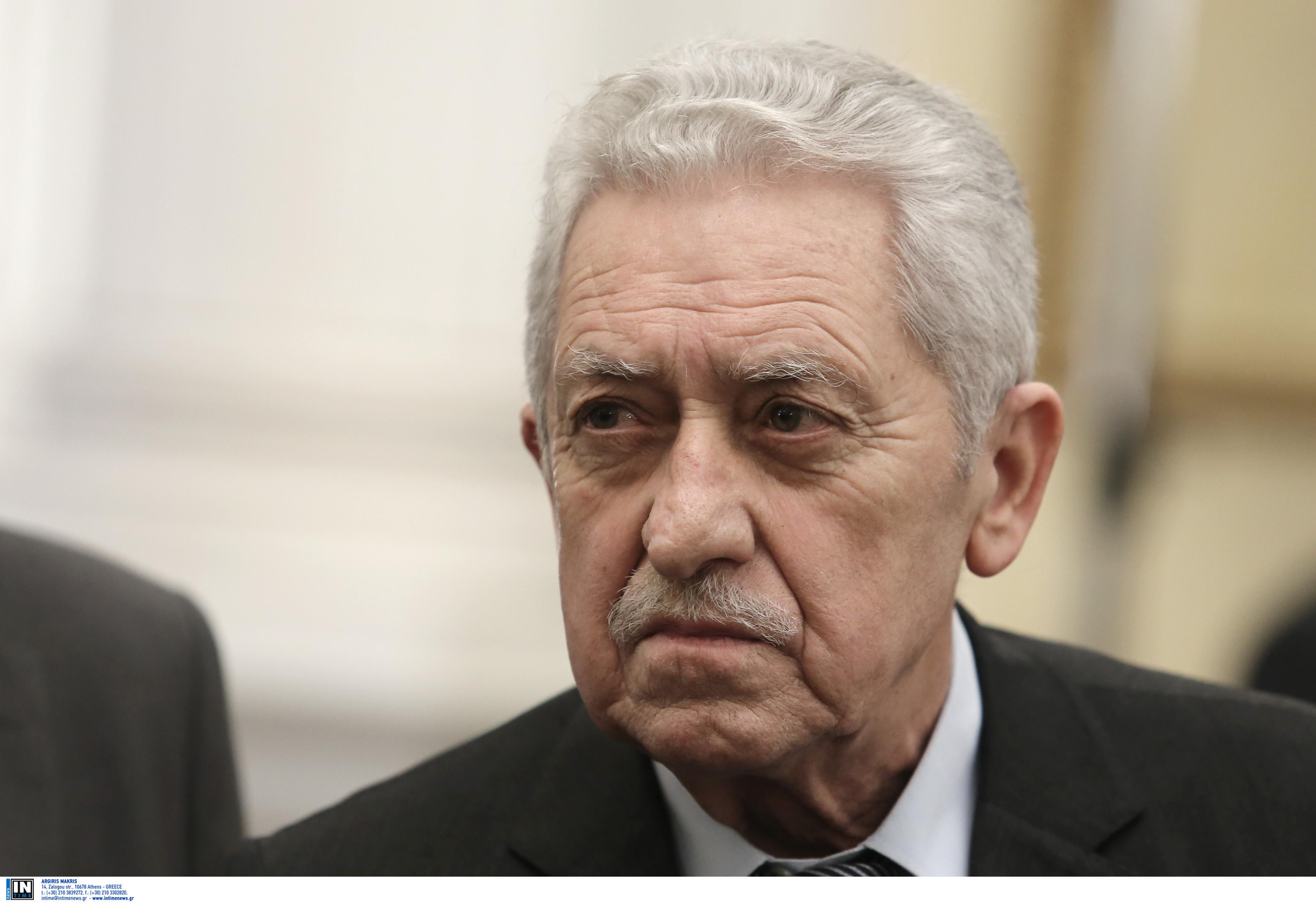 Κουβέλης: Δεν είμαι υπουργός του κ. Καμμένου | tanea.gr