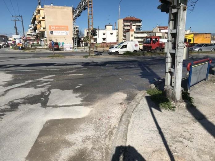 Λάρισα: Νταλίκα παρέσυρε και σκότωσε ποδηλάτισσα   tanea.gr