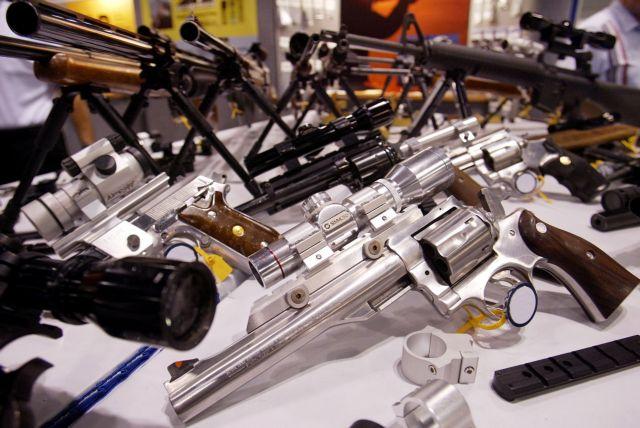 Φλόριντα: Θα οπλοφορούν οι εκπαιδευτικοί και με… τον νόμο | tanea.gr