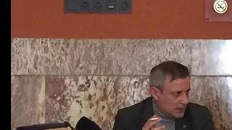 Οταν οι πολιτικοί καπνίζουν και προκαλούν | tanea.gr
